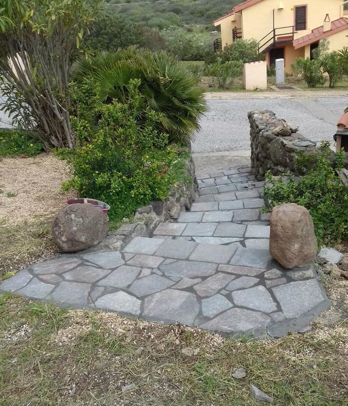 scalinata-in-pietra-edilizia-bruno-caredda